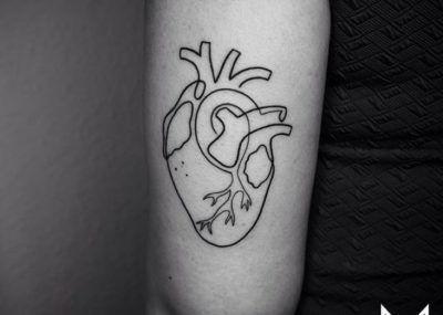 Тату лайнворк сердце