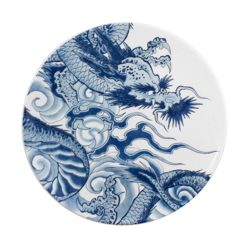 Японская татуировка дракон на посуде