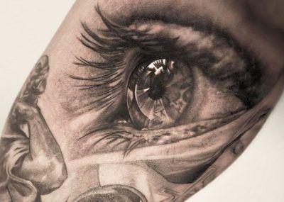 Тату с глазом в стиле реализм
