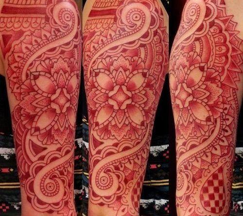 Идеи тату: 40 фото татуировок красного цвета