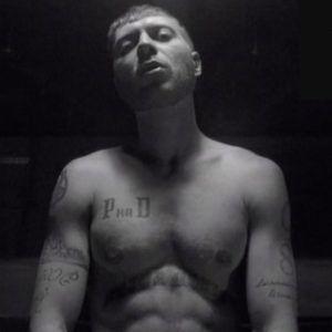 «Патимейкер» Виталий Пика делает новую татуировку
