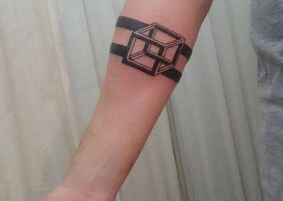 Тату браслет куб