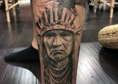 Тату орел и индеец