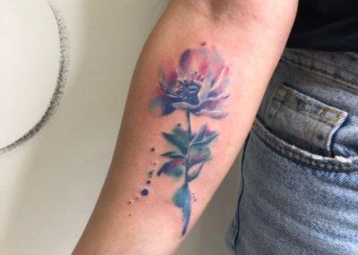 Тату акварель на руке роза