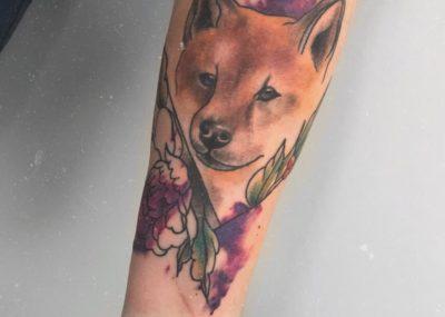 Тату акварель на руке волк
