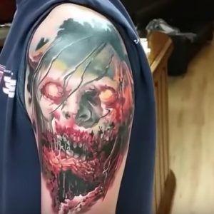 Демоническая татуировка на руке