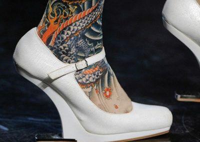 тату японский стиль на ноге