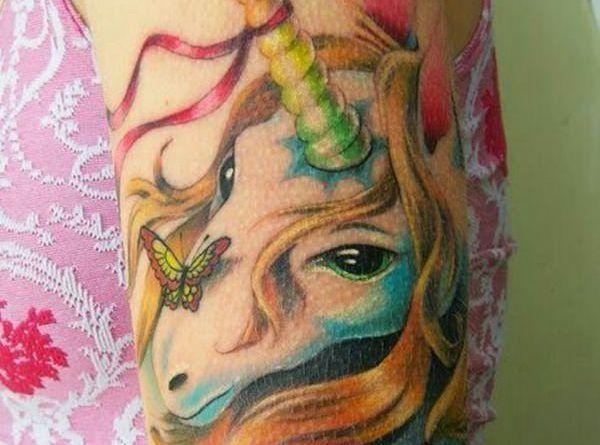 Tattoo unicorn ontattoo
