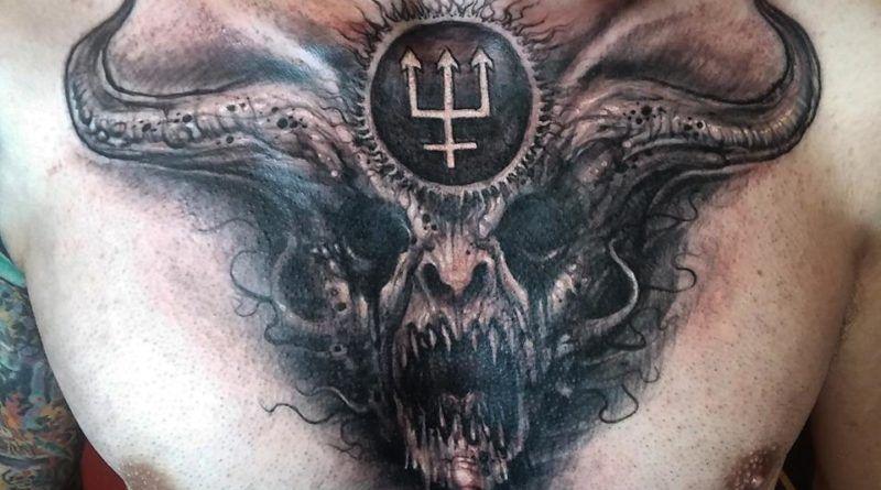 Мрак и демоны в чёрных татуировках мастера Carlos Aguilar