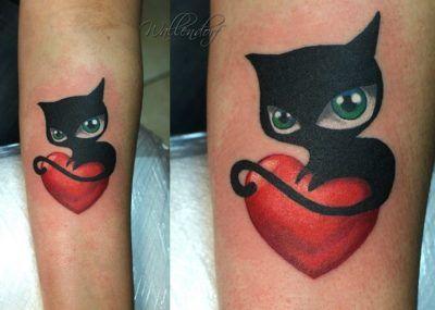 тату черный кот и сердце