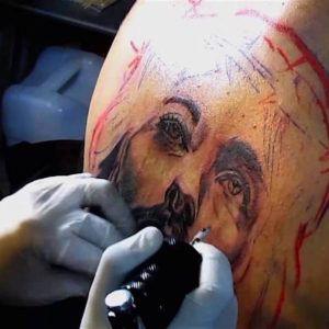 Тату со смыслом: духовные татуировки с Иисусом (55 фото)