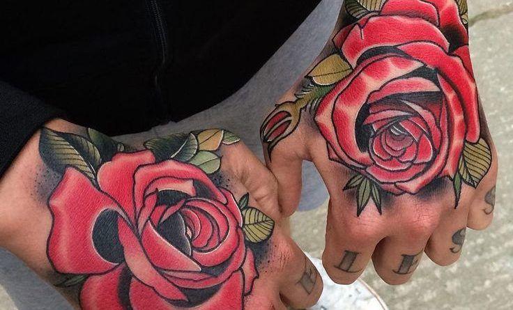 тату розы на руках