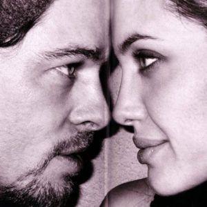 Анджелина Джоли и Брэд Питт спасали брак татуировкой (фото)