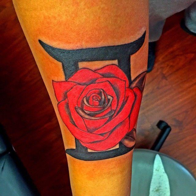 татуировки с знаком зодиака стрелец