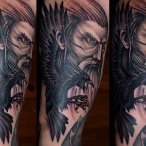 Значение татуировок с Вороном
