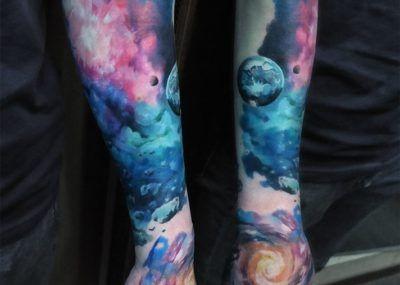 Тату космоса на руке