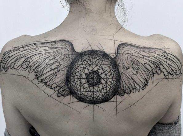 рисунок тату на спине крылья