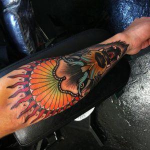 цветной тотемный волк тату