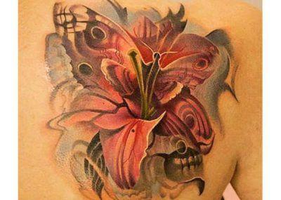 тату с лилиями на спине