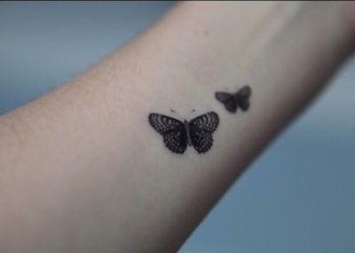 Тату минимализм бабочки
