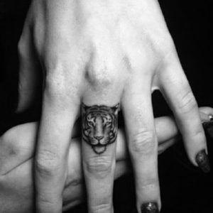 Тату с тигром - значение и фото