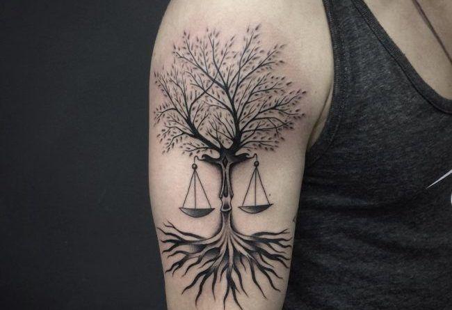 Тату весы на дереве