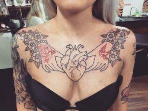 Тату на груди для девушек (50 фото)