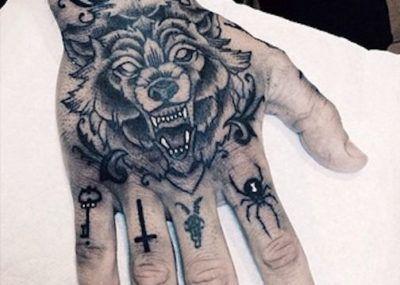 тату на руке тигр