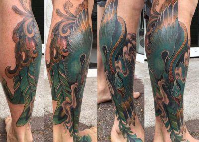 татуировка феникса на ноге