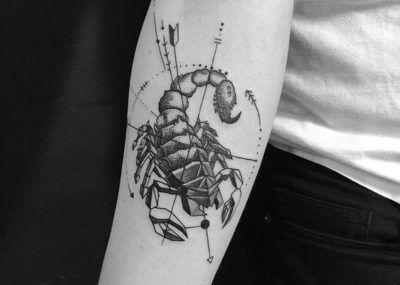 тату скорпион