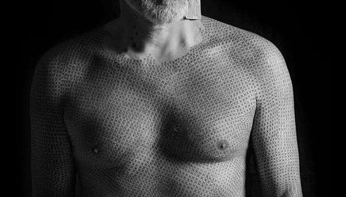 Веган сделал тату на всё тело