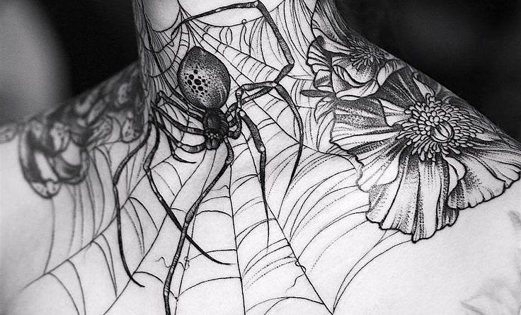 Тату на шее паук фото