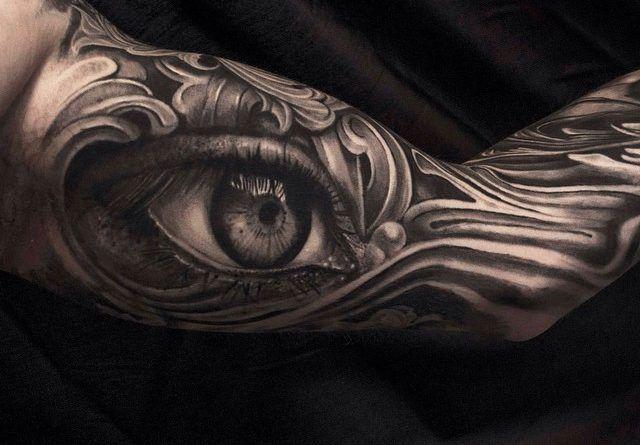 Realistic d Eye тату