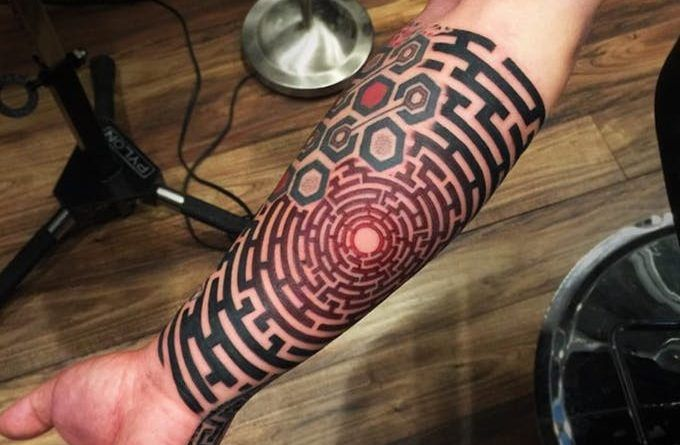 ontattoo labyrinth