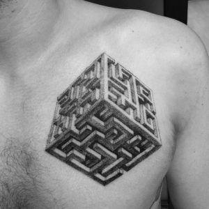 Тату лабиринт куб фото значение