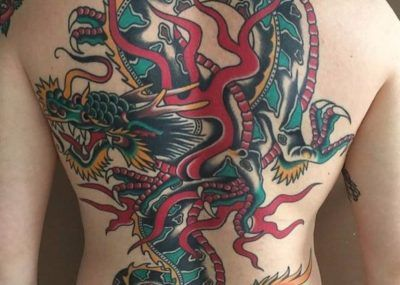 тату дракон на спину