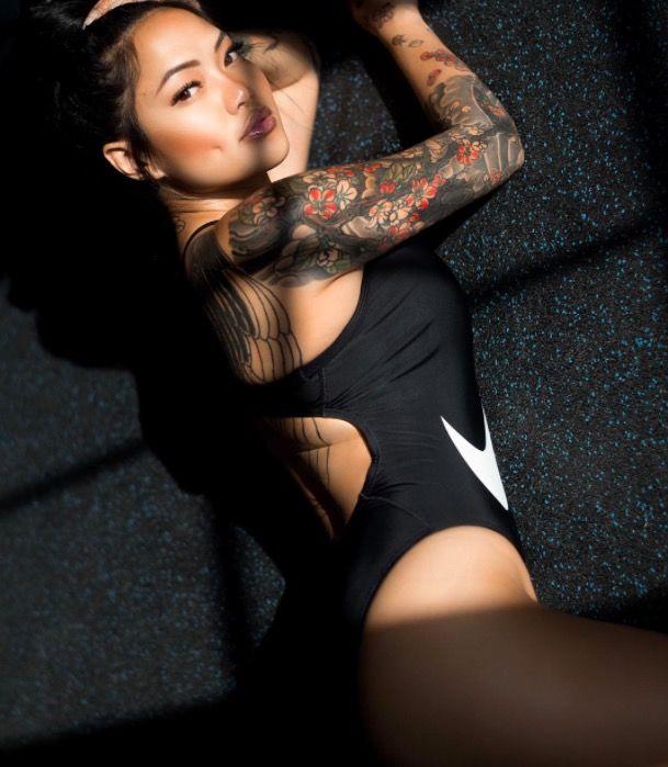 красивая девушка тату фото каталог tattoo nike