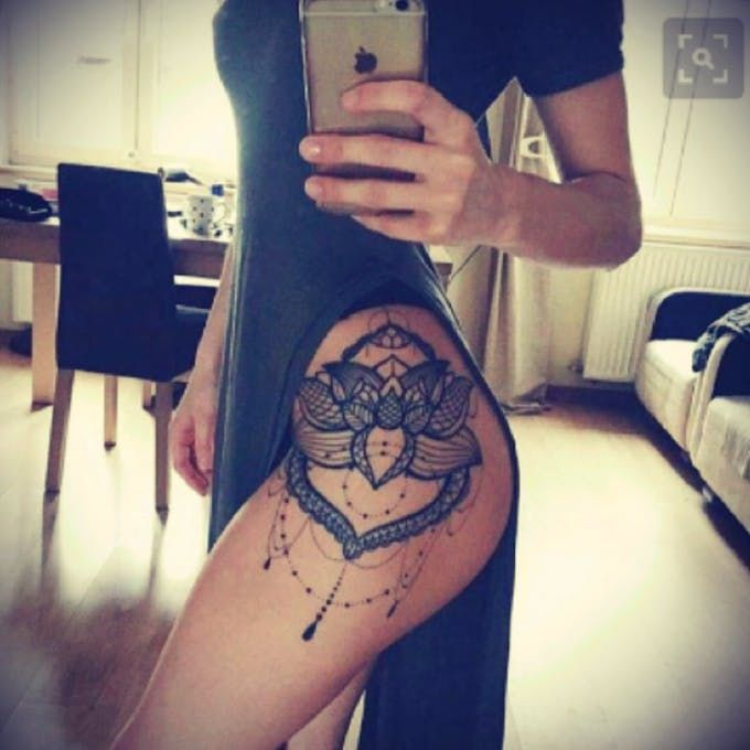 Тату Лотос. Фото и значение татуировки с цветком лотоса на бедрах