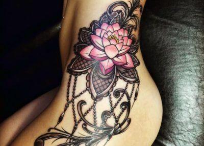 татуировка лотоса для девушек