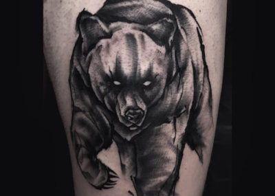тату медведь черный