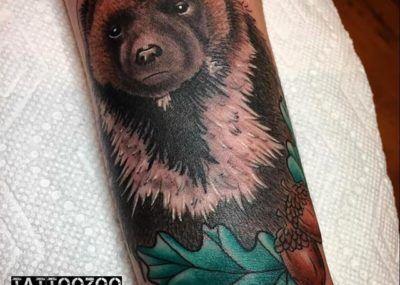 тату медведь рукав