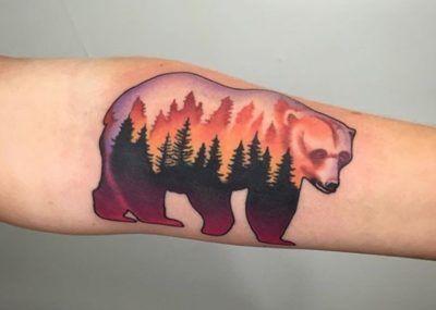 тату медведь деревья