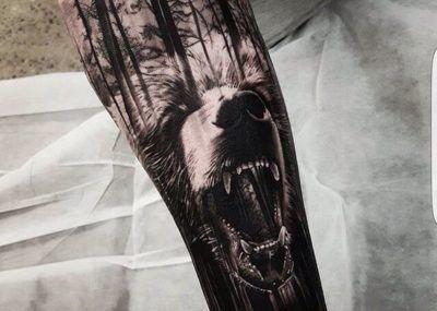 тату медведь рукав лес