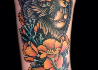 тату медведь цветы