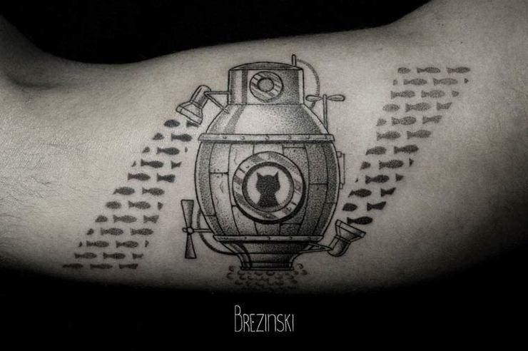 Surreal Tattoos белорусского тату-художника Ильи Брезинского on-tattoo фото батискаф