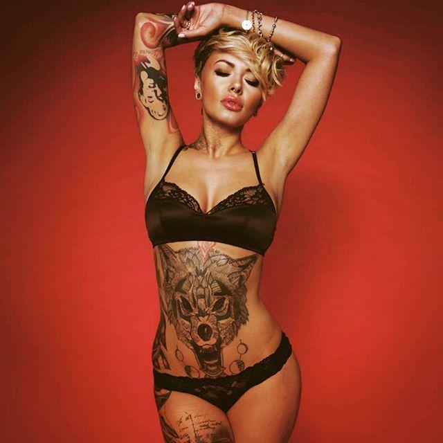 тату модель фото, девушка с татуировками, sexy tattoo ink foto red