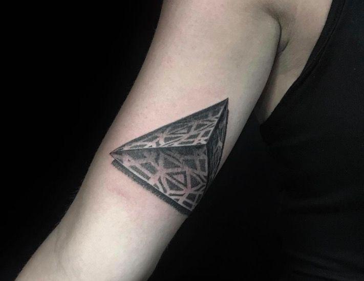 Крутые татуировки одного из ведущих мастеров Нью-Йорка в области dotwork мандала