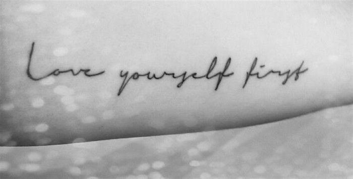 Love yourself first. — Люби себя в первую очередь.