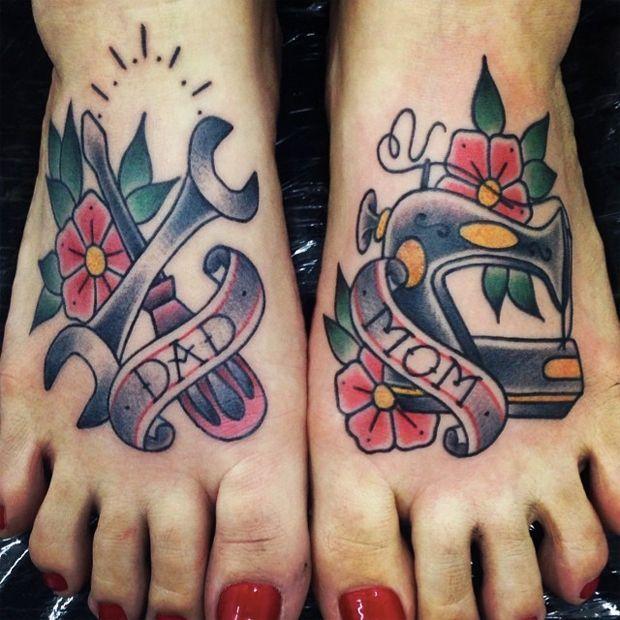 Фото картинки Тату Мама и Папа. mom & dad tattoo на ногах