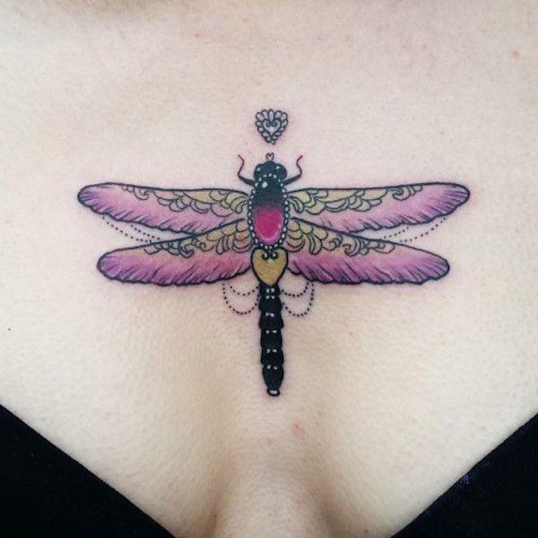 Тату стрекоза. Фото и значение on-tattoo на груди для девушек